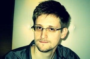 Edward-Snowden-pose