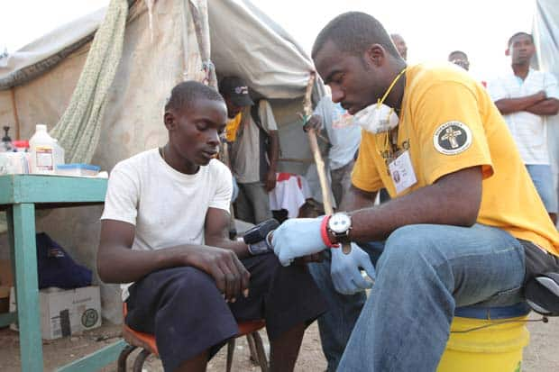 Scientology_Volunteer_Ministers_doing_medical_work_in_Haiti_2010
