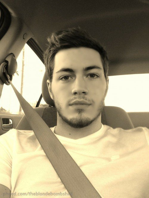 500x666xcar-selfie-e1383793951363.jpg.pagespeed.ic.tpH3FxWi-b