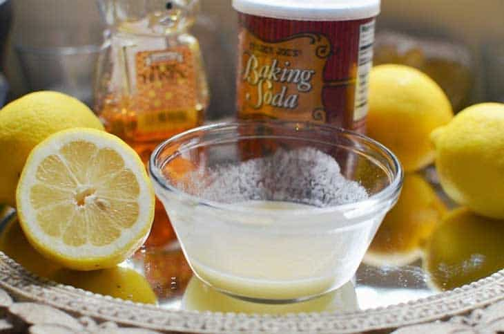 Lemon-And-Baking-Soda-Combination-Saves-Lives