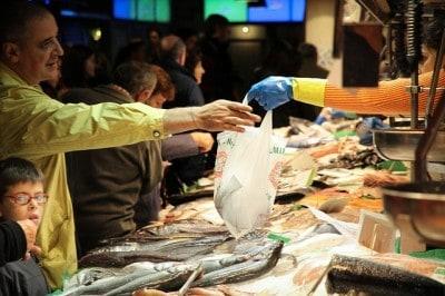fish-market-428060_640