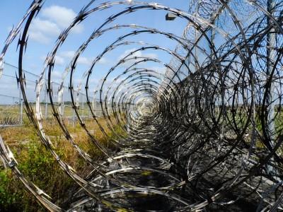 prison-fence-218456_640
