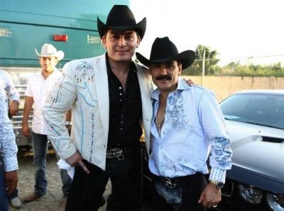 Jośe Manuel Figueroa with El Chapo de Sinaloa (Photo: Wikimedia Commons)