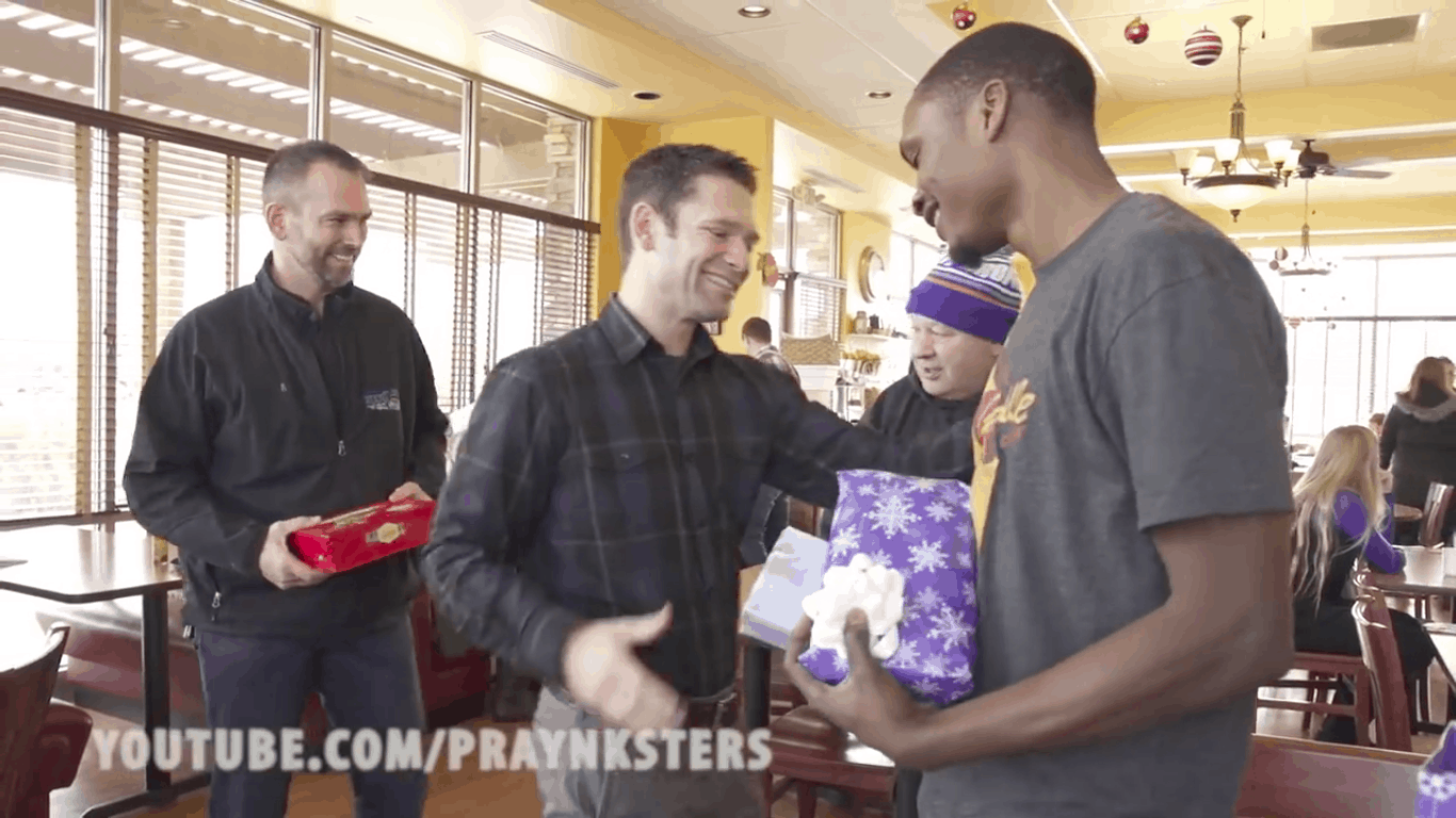 Strangers stand in line to offer Pascal Christmas gifts