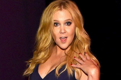 Amy Schumer Gives Bartenders A Surprise Gift, Restores Faith In Celebrities