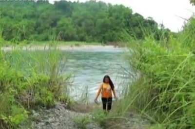 This Philippine Teacher Travels Three Hours Across Five Rivers Everyday For Her Students