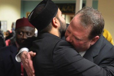 Muslim Community Invites Man Who Shot At Their Mosque To Meet With Them, Man Deeply Apologizes