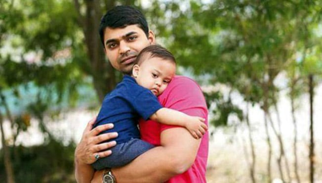 India S Youngest Single Father Invites 10 000 Homeless And