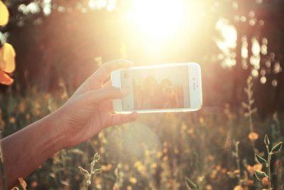 "No Pain, No Follower Gain: ""Selfie Elbow"" Causing Problems"