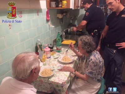 Police Rushed To This House And Found An Elderly Couple Crying. What They Did Next Will Surprise You…