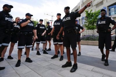 See How Canadian Cops Handle A Mentally Ill Man With A Knife Versus American Cops