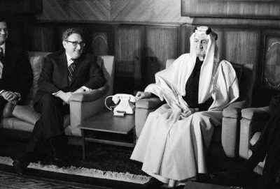 kissinger-meeting-king-faisal-of-saudi-arabia-in-riyadh-14-dec-1973