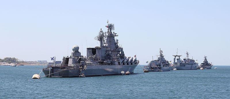 navy_in_sevastopol_bay_2012_g02