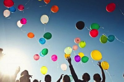 Releasing Celebratory Balloons Kills Wildlife, So Try One Of These Beautiful Alternatives Instead