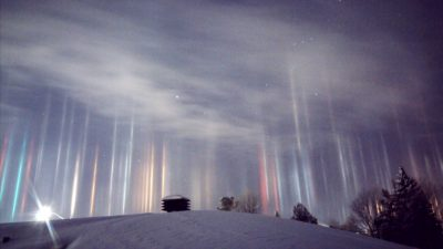 Light Pillars In Canada Reveal The Stunning Beauty Of Nature [Watch]