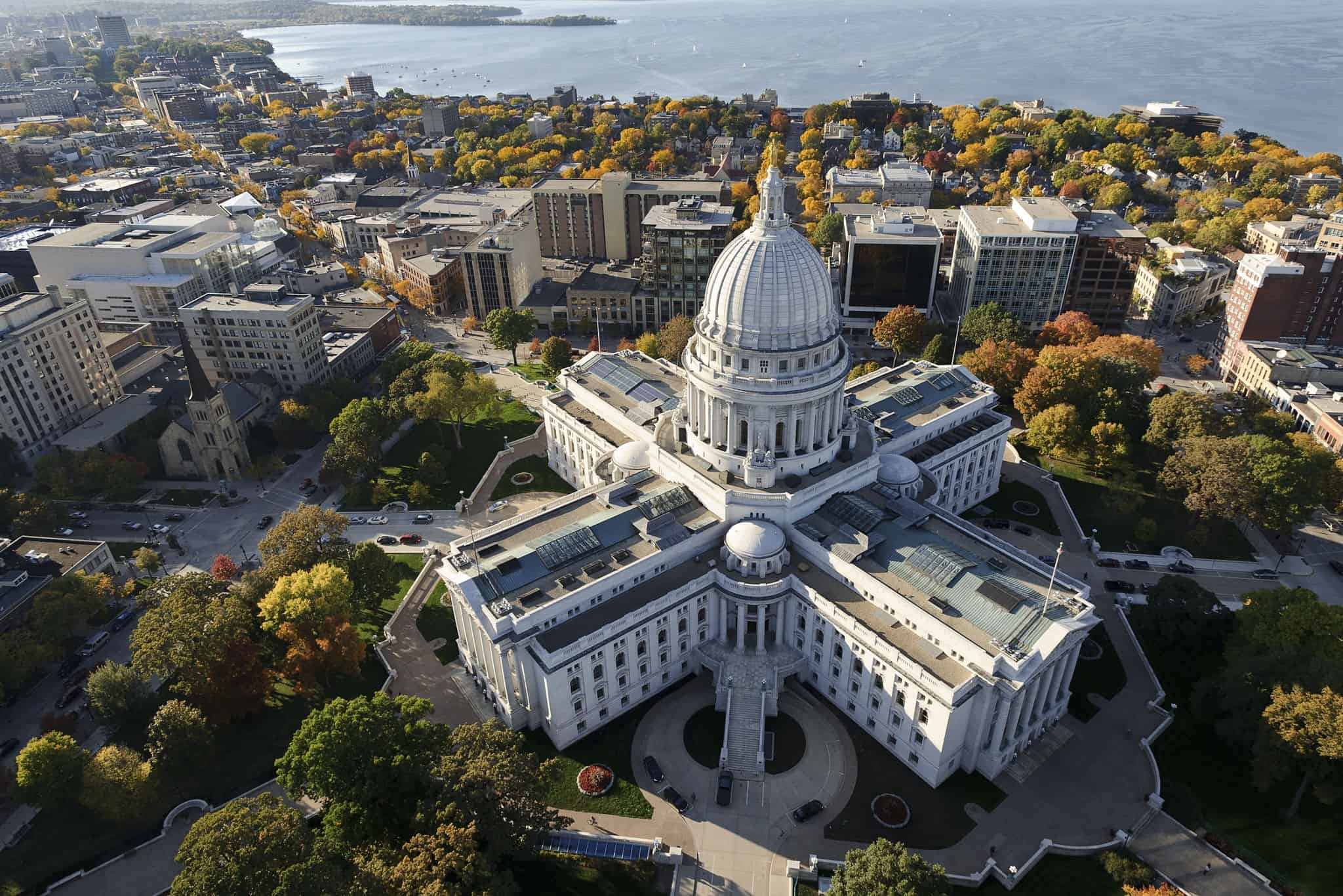 This Wisconsin City Just Committed To 100% Renewable Energy Downtown-madison-wi-arts-entertainment-and-politics-1