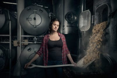 "10+ Powerful Images Of Women Doing ""Men's Work"" Destroy Common Stereotypes"
