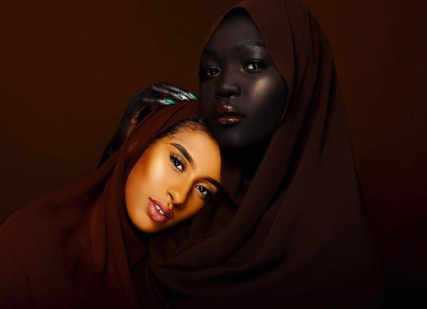 woman was bullied for her skin color now the queen of dark is a beautiful model true activist. Black Bedroom Furniture Sets. Home Design Ideas