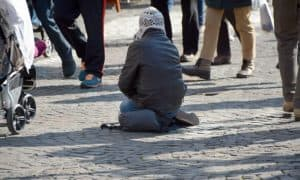 https://pixabay.com/en/beggars-homeless-street-child-1233291/