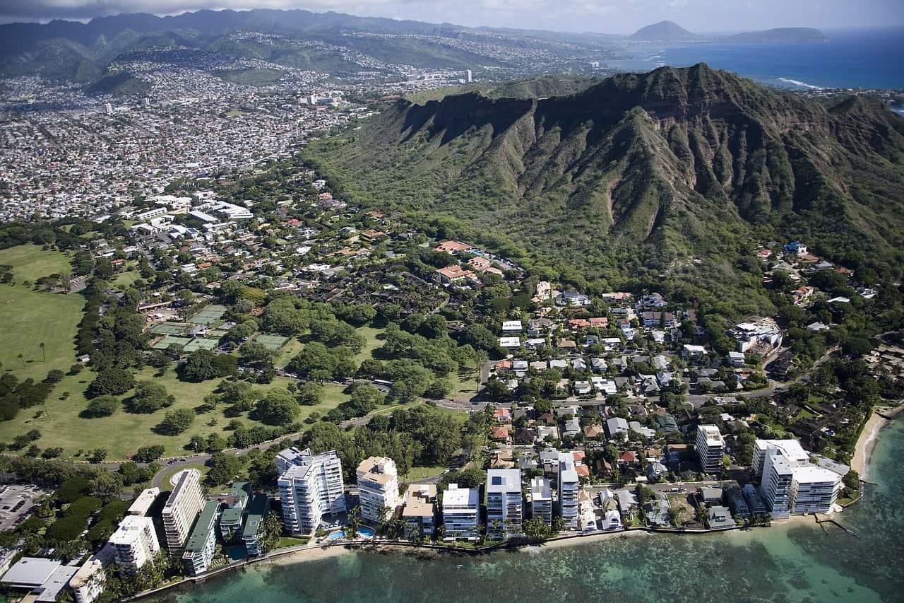 https://pixabay.com/en/waikiki-beach-hawaii-honolulu-oahu-581102/