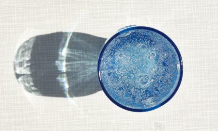 https://pixabay.com/en/water-mineral-water-drink-glass-1856308/