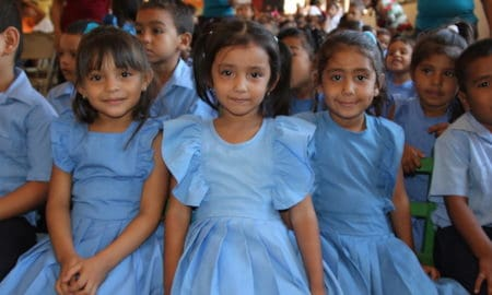 https://www.google.cl/imgres?imgurl=http%3A%2F%2Fworldhelp.net%2Fwp-content%2Fuploads%2F2015%2F06%2FSponsor-a-child-in-Honduras-World-Help.jpg&imgrefurl=https%3A%2F%2Fworldhelp.net%2Fhow-your-words-can-transform-a-life%2F&docid=hv36l5-8ZleEgM&tbnid=na1zson1L4dJbM%3A&vet=10ahUKEwjq972DvZDVAhXFk5AKHfe-Ak0QMwhSKCEwIQ..i&w=640&h=427&bih=548&biw=1144&q=honduras%20children&ved=0ahUKEwjq972DvZDVAhXFk5AKHfe-Ak0QMwhSKCEwIQ&iact=mrc&uact=8