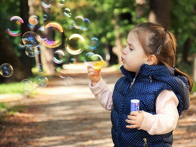 https://pixabay.com/en/kid-child-happy-fun-happiness-1241817/
