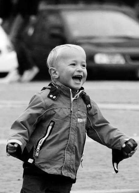https://pixabay.com/en/laughter-fun-happiness-boy-child-449781/