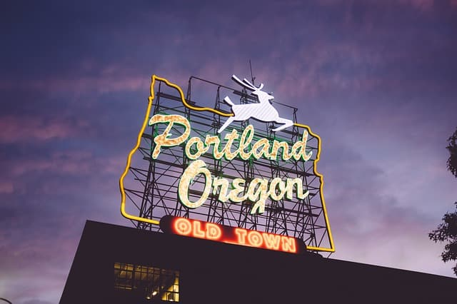https://pixabay.com/en/portland-oregon-tourism-pacific-841428/