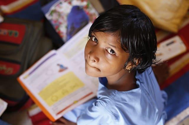 https://pixabay.com/es/ni%C3%B1os-infantil-ni%C3%B1a-la-escuela-306607/