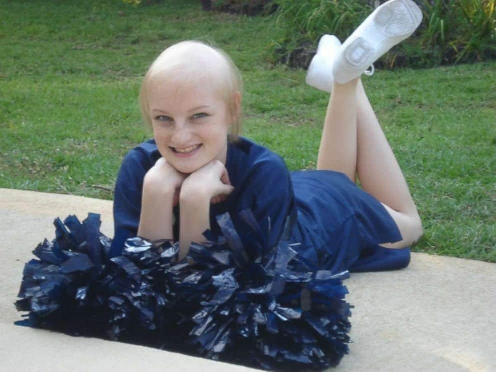 http://abcnews.go.com/Health/childhood-cancer-survivor-returns-hospital-nurse-20-years/story?id=50186189