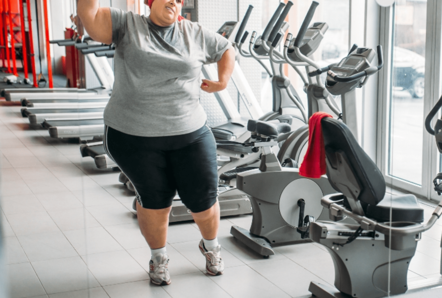 Woman Hell Bent On Losing Weight In The Gym Gets Bullied, Good Samaritan Comes To Her Rescue